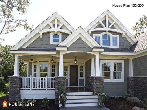 medium sized houses craftsman house plans craftsman house craftsman style homes