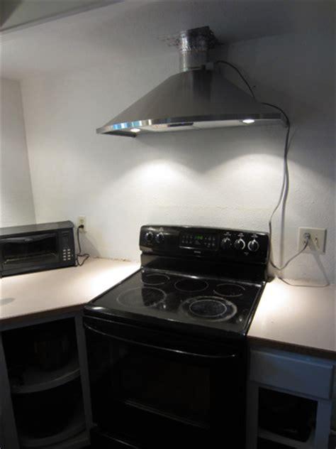 budget diy kitchen remodel contractor  range hood