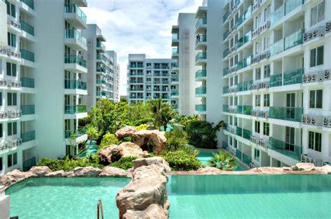 Luxury Beachfront Condo Development In Pattaya : Amazon Residence Condominium, Jomtien Beach, Thailand