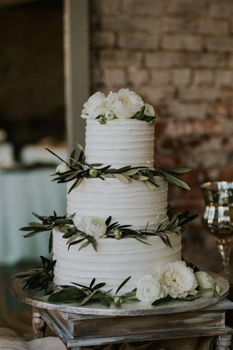 publix wedding cake  green garnishes weddingcake