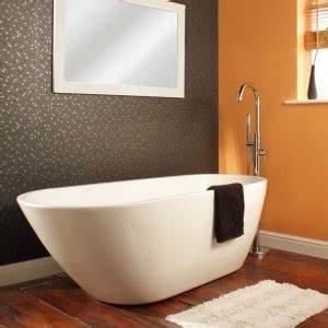 Comment Installer Une Baignoire : baignoire ilot comment choisir mon robinet ~ Dailycaller-alerts.com Idées de Décoration