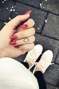 Tattoo Am Finger Stechen Lassen