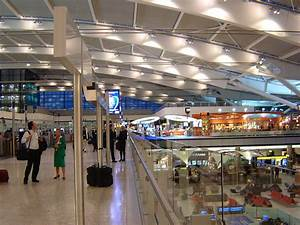 At the airport – Travel guide at Wikivoyage