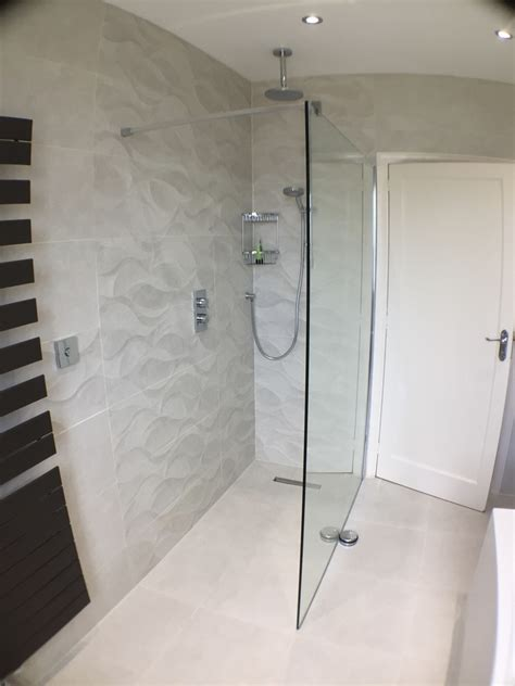 tiling  wetroom tray  large tiles uk bathroom guru