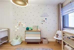 Deco scandinave chambre bebe fille for Déco chambre bébé pas cher avec long kimono fleuri