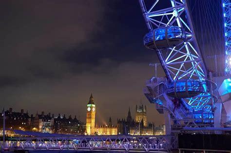 de nuit exterieur image libre ville cr 233 puscule architecture tour ciel nuit point de rep 232 re urbain ext 233 rieur