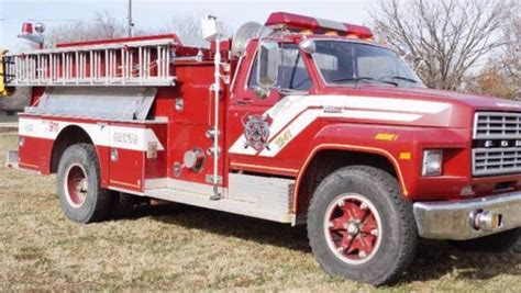 ford fire trucks  sale  listings secondlifetruck