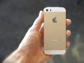iphone 5s new pictures of apple s new gold iphone 5s business insider