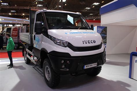 iveco daily  front view   cv show