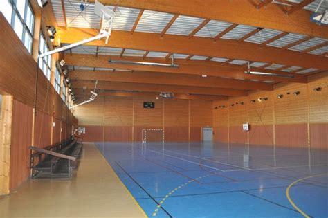 construction d une salle polyvalente et d un gymnase