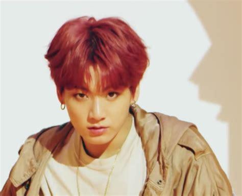 pesona bts tampil  gaya rambut kece  mv idol