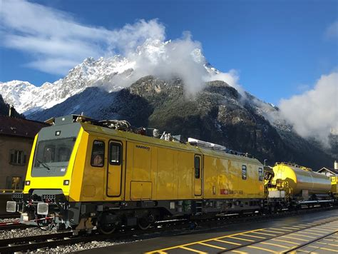 First rail maintenance vehicles handed over for Gotthard ...