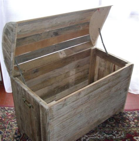 contoire de cuisine coffre en bois de palette coffre