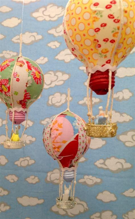 recycled bulb hot air balloons allfreeholidaycraftscom