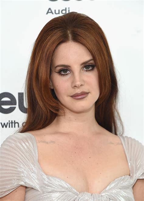 Lana Del Reys Blonde Hair Is A Dramatic New Look For The