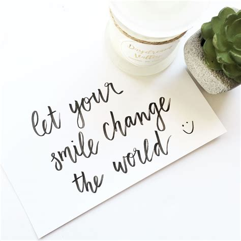 smile change  world motivational quotes