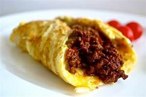 Living in the Ice AgeChilli Stuffed Omelette