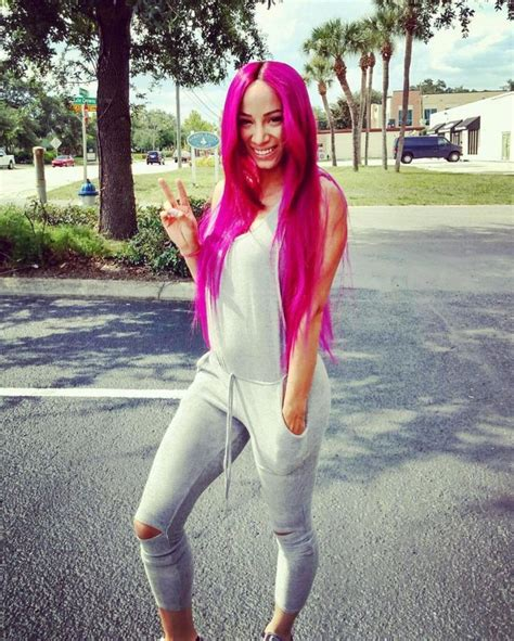 Sasha banks is one of the most favorite's actresses in wwe wrestling world. Sasha Banks Showing Off Her Hair #SashaBanks #WWE #WomenOfWrestling | Sasha Banks | Pinterest ...