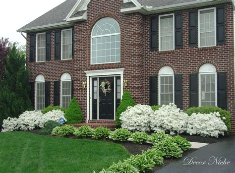 shrubs for front of house pictures bushes for front of house landscape design pinterest curb appeal landscaping and house