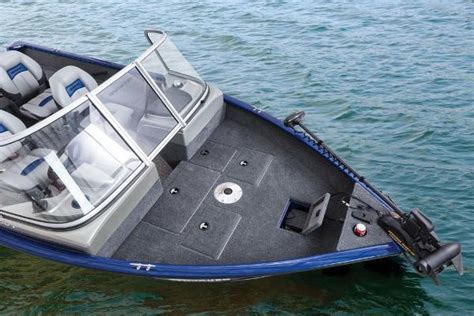 Images of Aluminum Boats In Rough Water
