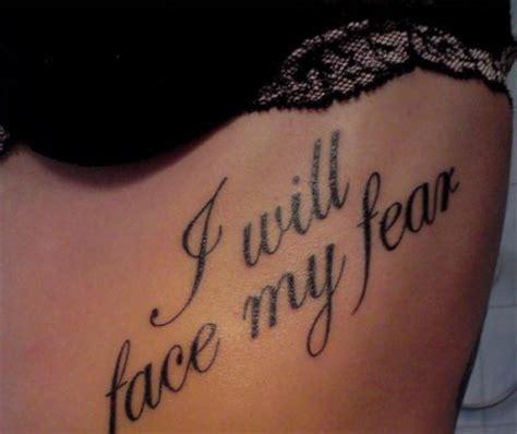 schriftzug frau tattoos zum stichwort schriftzug bewertung de lass deine tattoos bewerten