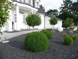Gartengestaltung Beispiele Und Bilder : vorgarten kies modern ~ Orissabook.com Haus und Dekorationen