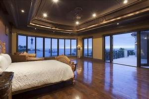 23+ Beautiful Bedrooms with Wood Floors (Pictures