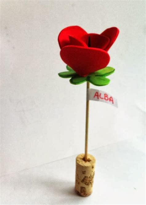 Cómo hacer rosas de goma eva Manualidades Manualidades