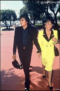 Michael Jackson with Elizabeth Taylor ~ They were good ...