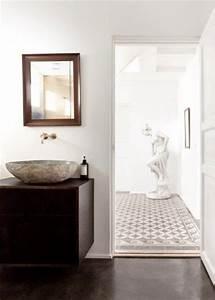 Goldene Punkte Wand : goldene wand in einem norwegischen badezimmer wohnideen ~ Michelbontemps.com Haus und Dekorationen