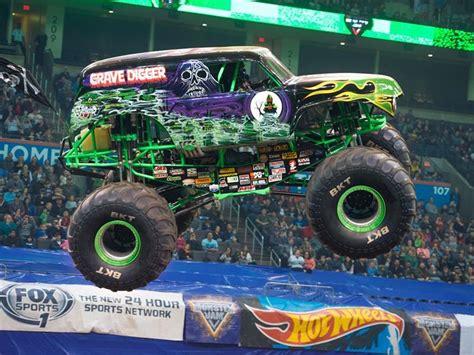 hara arena monster truck show llega a chile monster jam trucks exhibición de camionetas