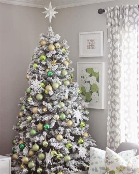 flocked trees christmas frosty flocked tree treetopia