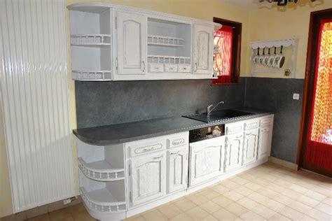 restaurer cuisine rénover sa cuisine rustique le bois chez vous