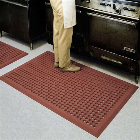 large kitchen floor mats comfort zone 5 8 quot drainable kitchen mat intermats 6793