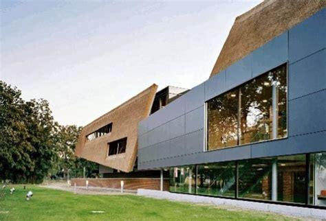 wie lange hält ein reetdach wie lange hlt ein reetdach ein buch lesen mrz vossgarden vogelhaus mit reetdach fhr rundes