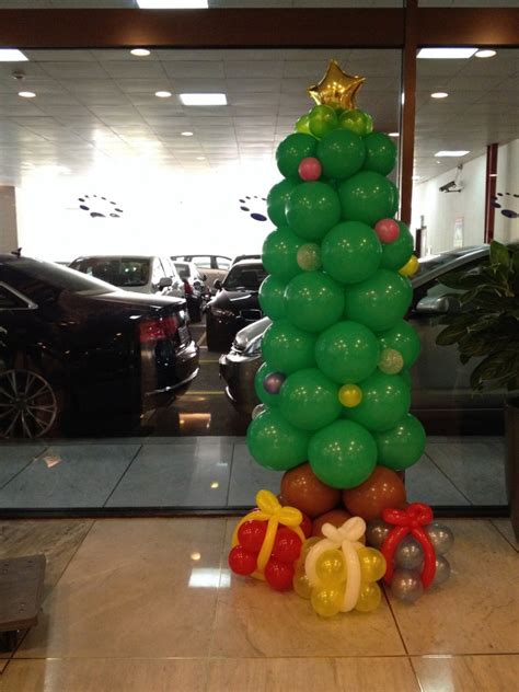 how to make a balloon christmas tree decorations that balloons