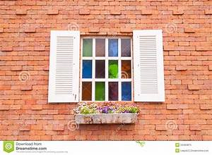 Brique De Verre Couleur : belle fen tre en bois avec le verre et le mur de briques multi de couleur image stock image du ~ Melissatoandfro.com Idées de Décoration
