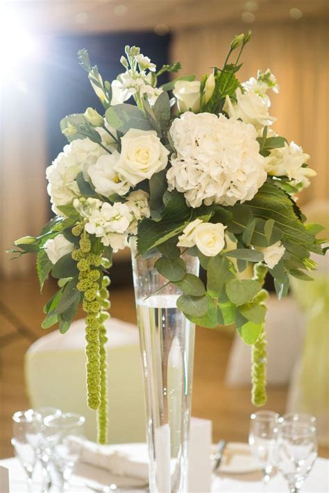 Trailing Floral Simple White Wedding Table Flower