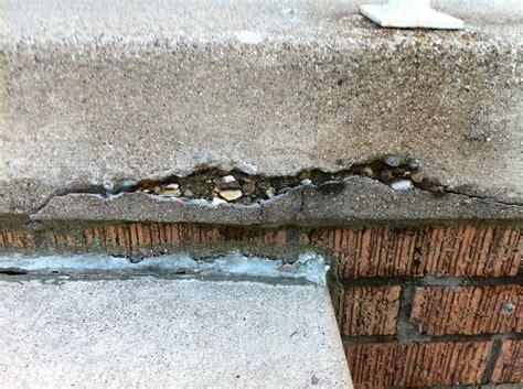 how do i repair the bottom lip of a concrete slab home