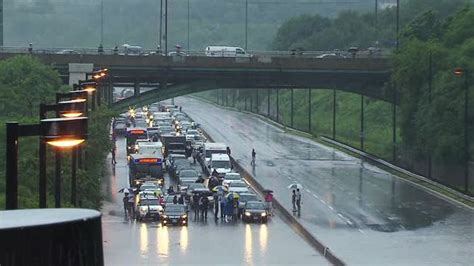 flooding threatens  shut  don valley parkway friday