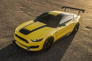 Ford Mustang Shelby Gt350 : 2017 aston martin db11 2018 bmw x5 ole yeller mustang shelby gt350 this week s top photos ~ Medecine-chirurgie-esthetiques.com Avis de Voitures
