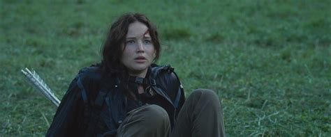 what is katniss katniss everdeen images katniss everdeen in the hunger games hd wallpaper and background photos