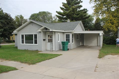 three bedroom houses spotless 3 bedroom house w garage and carport for rent