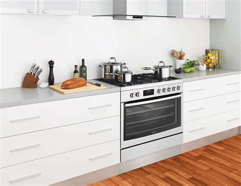 Westinghouse Cm Dual Fuel Freestanding Oven/stove