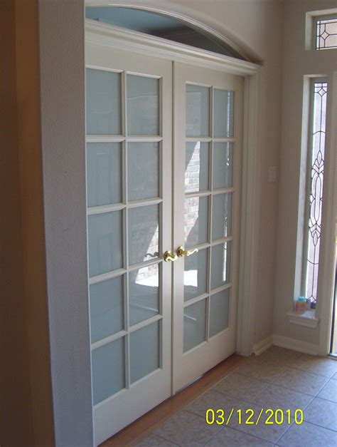 Doors To Living Room by Door Wall Like S Living Room To