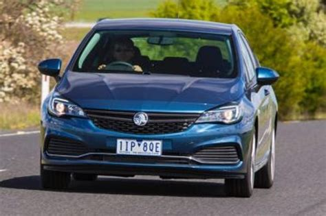 2016 Holden Astra R she says, he says review - She says, he says: Holden Astra R
