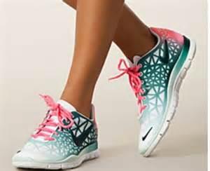 Nike Free Runs Running Shoes for Women