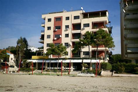 Bar restorant buze detit, Shkembi Kavajes, Durres - FF ...