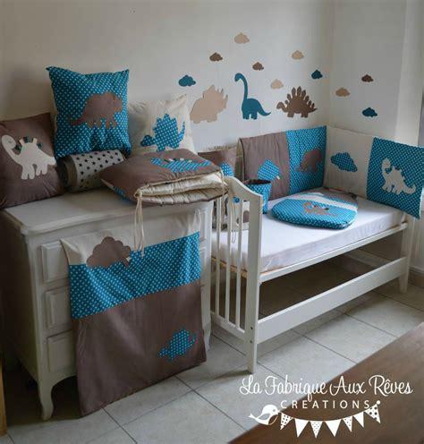 deco chambre dinosaure décoration chambre bébé dinosaure nuage pétrole canard