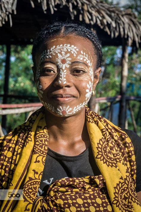 malagasy woman  ethnicity sakalava  traditional mask